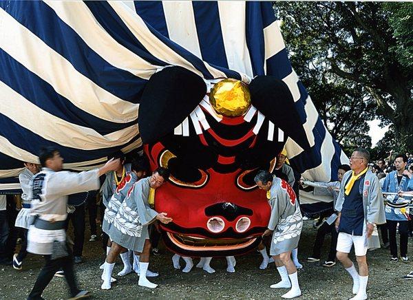 「大獅子舞う」 大石 薫 2009年撮影