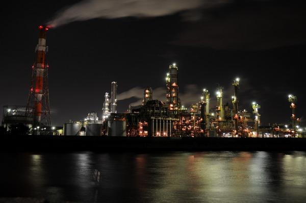 「夜の工場」  前田 光郎