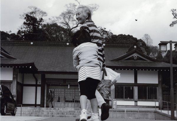 「おさんぽ」 水野隆子
