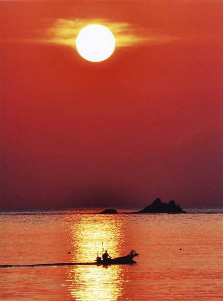 「 漁を終わって 」   山口 喜 久 雄