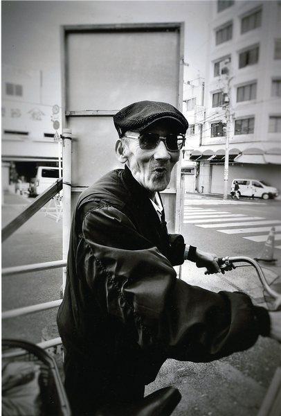 「築地の老人」 水野隆子