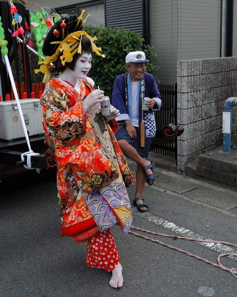 「雨乞いまつり」  中田 美智雄