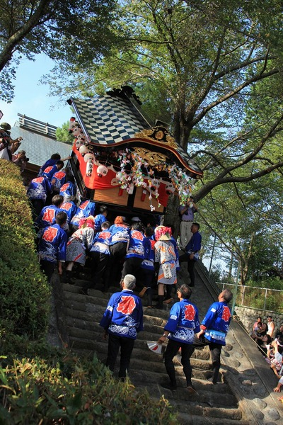 「屋台が登る」  河原崎 久和
