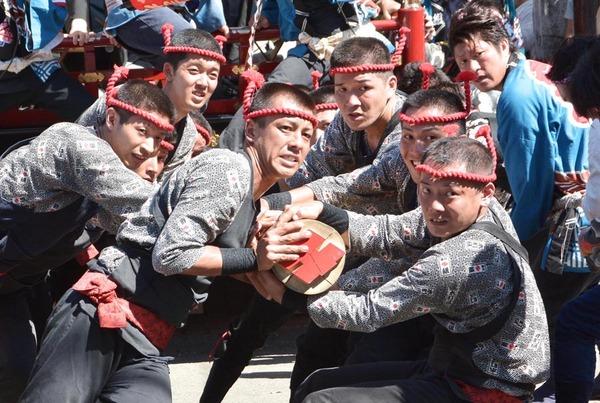 「祭りの男達」 大石薫