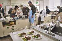 <静岡の今> 「男性料理教室」 竹之内範明