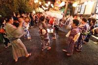 <静岡の今> 「有東木の盆踊り」  村越敏治