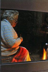 カラー写真の部 特選「老女」 大庭�志